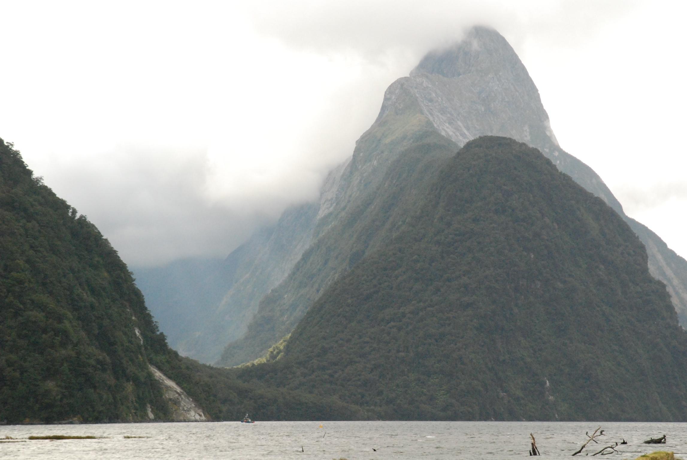 Das Mitre Peak mit dem Footstool und dem Sinbad Gully